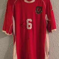 The First Wales International Shirt In My Collection - Bendigedig